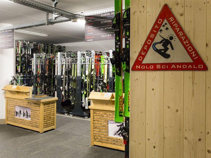 Immagine degli interni del Noleggio sci Andalo